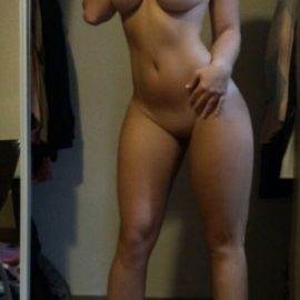 8611865-this-girl-is-a-gem-i-dont-know-who-she-is-but-that-body